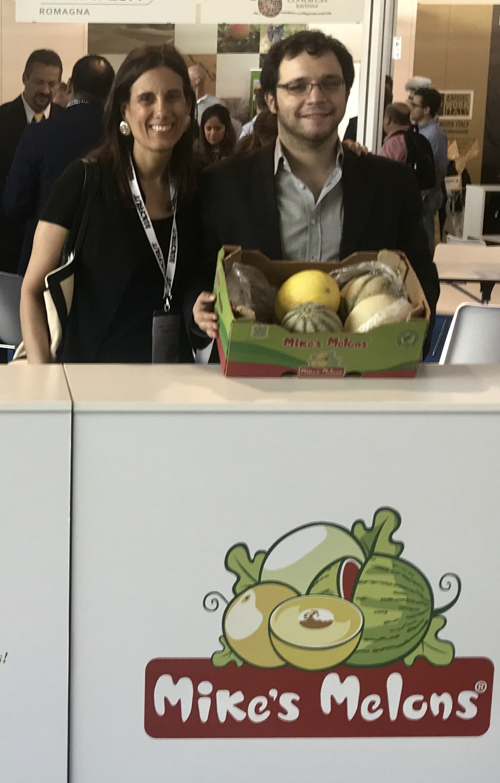 Señora Giselle Canahuati, Cónsul General de Honduras en Roma y señor Rafael Guillén de Mike's Melons, Agrolíbano